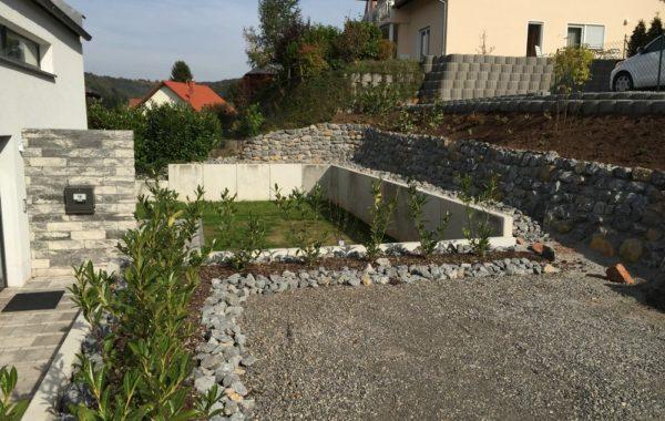 Aussenanlage in Oberarnbach
